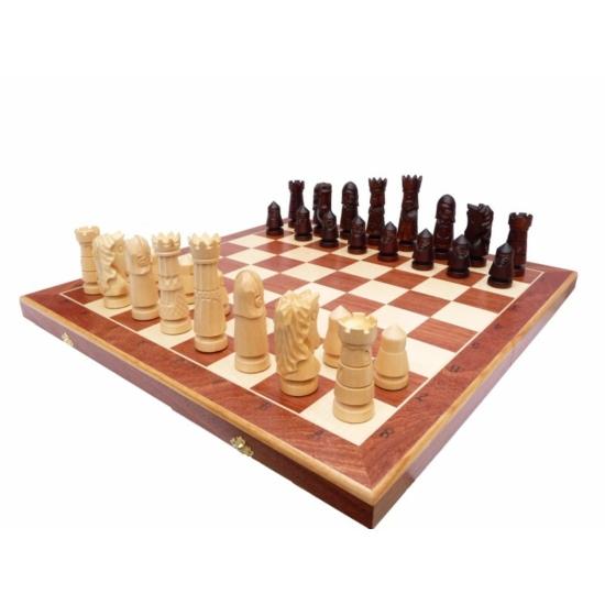 Castle Large 106A Díszesen faragott fa sakk-készlet intarziás táblával