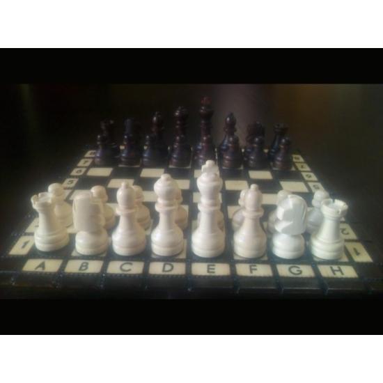 Kisméretű fa sakk-készlet